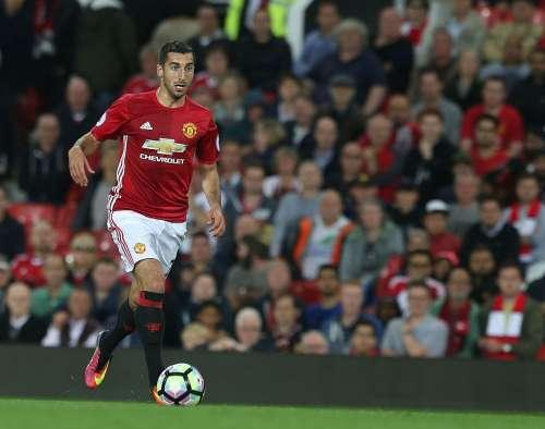 Henrikh Mkhitaryan Manchester United.jpg