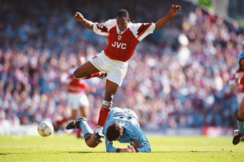 LONDON, UNITED KINGDOM - APRIL 30: West Ham defender Tony Gale challenges Ian Wright of Arsenal during the FA Premiership match at Highbury on April 30, 1994 in London, England.  (Photo by Shaun Botterill/Allsport/Getty Images)