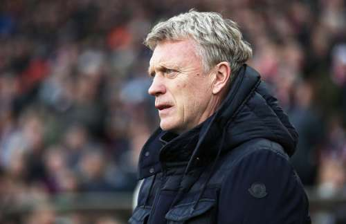 SUNDERLAND, ENGLAND - DECEMBER 03:  Sunderland manager David Moyes is seen during the Premier League match between Sunderland and Leicester City at Stadium of Light on December 3, 2016 in Sunderland, England. (Photo by Ian MacNicol/Getty Images)