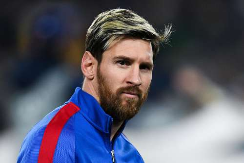 BARCELONA, SPAIN - DECEMBER 06:  Lionel Messi of FC Barcelona looks on during the UEFA Champions League match between FC Barcelona and VfL Borussia Moenchengladbach at Camp Nou on December 6, 2016 in Barcelona, .  (Photo by David Ramos/Getty Images)