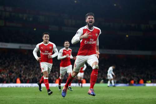 LONDON, ENGLAND - DECEMBER 26:  Olivier Giroud of Arsenal celebrates after scoring the opening goal during the Premier League match between Arsenal and West Bromwich Albion at Emirates Stadium on December 26, 2016 in London, England.  (Photo by Julian Finney/Getty Images)