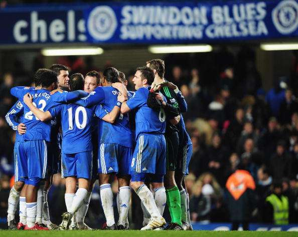 LONDON, ENGLAND - DECEMBER 28:  Chelsea players celebrate victory after the Barclays Premier League match between Chelsea and Fulham at Stamford Bridge on December 28, 2009 in London, England.  (Photo by Clive Mason/Getty Images)