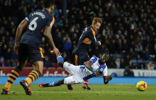 Britain Football Soccer - Blackburn Rovers v Newcastle United - Sky Bet Championship - Ewood Park - 2/1/17 Newcastle United's Jack Colback fouls Blackburn's Marvin Emnes Mandatory Credit: Action Images / Andrew Boyers Livepic