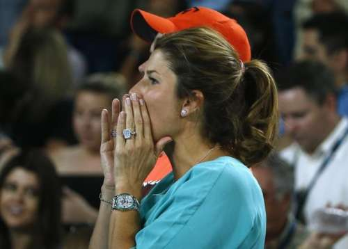 Federer Holds Off Nishikori To Reach Quarter Finals