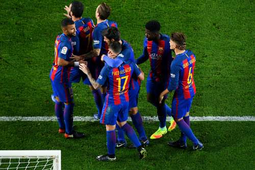 BARCELONA, SPAIN - DECEMBER 21:  Paco Alcacer of FC Barcelona celebrates with his team mates after scoring his team's fifth goal during the Copa del Rey round of 32 second leg match between FC Barcelona and Hercules at Camp Nou on December 21, 2016 in Barcelona, Spain.  (Photo by David Ramos/Getty Images)