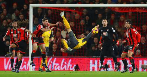 BOURNEMOUTH, ENGLAND - JANUARY 03: Olivier Giroud of Arsenal attempts a bicycle kick during the Premier League match between AFC Bournemouth and Arsenal at Vitality Stadium on January 3, 2017 in Bournemouth, England.  (Photo by Warren Little/Getty Images)