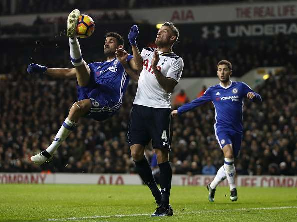 LONDON, ENGLAND - JANUARY 04: Diego Costa of Chelsea attempts an overhead kick as Toby Alderweireld of Spurs defends during the the Premier League match between Tottenham Hotspur and Chelsea at White Hart Lane on January 4, 2017 in London, England. (Photo by Julian Finney/Getty Images)