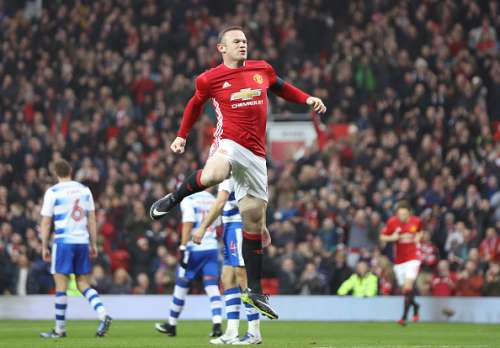MANCHESTER, ENGLAND - JANUARY 07:  Wayne Rooney of Manchester United celebrates as he scores his first sides first goal during the Emirates FA Cup third round match between Manchester United and Reading at Old Trafford on January 7, 2017 in Manchester, England.  (Photo by Mark Thompson/Getty Images)