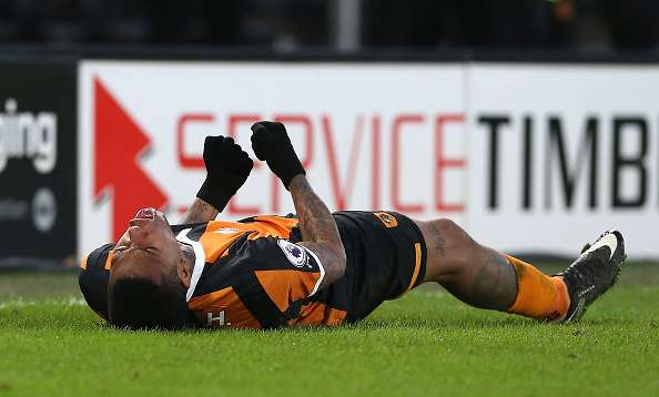 HULL, ENGLAND - JANUARY 14:  Abel Hernandez of Hull City celebrates scoring his sides second goal during the Premier League match between Hull City and AFC Bournemouth at KCOM Stadium on January 14, 2017 in Hull, England.  (Photo by Nigel Roddis/Getty Images)