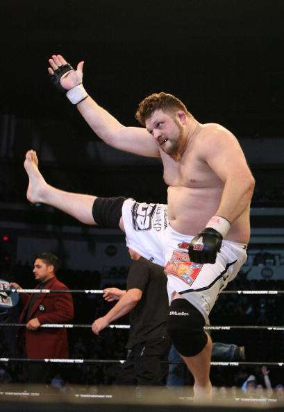 LAS VEGAS - FEBRUARY 29:  Roy Nelson white trunks of Lion