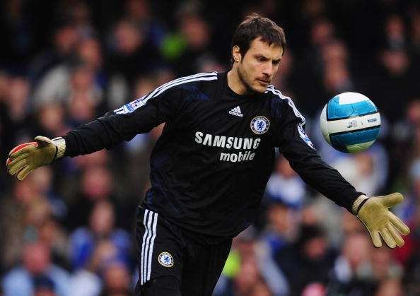 LONDON - MARCH 23:  Carlo Cudicini of Chelsea in action during the Barclays Premier League match between Chelsea and Arsenal at Stamford Bridge on March 23, 2008 in London, England.  (Photo by Shaun Botterill/Getty Images)