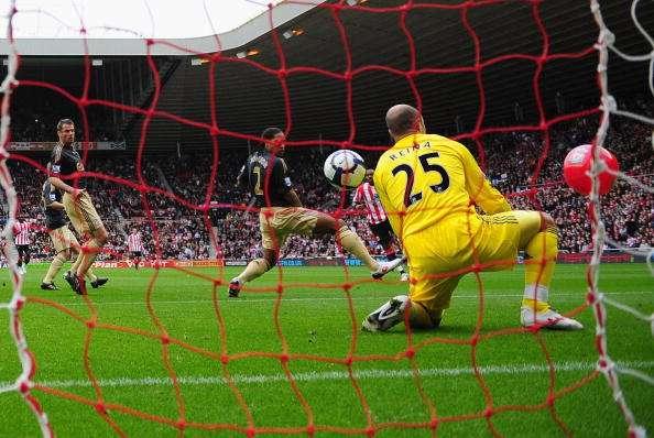Darren Bent beachball goal