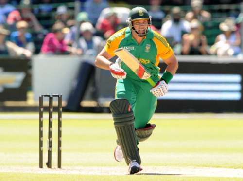 PORT ELIZABETH, SOUTH AFRICA - OCTOBER 23:  Jacques Kallis of South Africa during the 2nd One Day International match between South Africa and Australia at the Axxess DSL St Georges cricket ground October 23, 2011 in Port Elizabeth, South Africa(Photo by Lee Warren/Gallo Images/Getty Images)