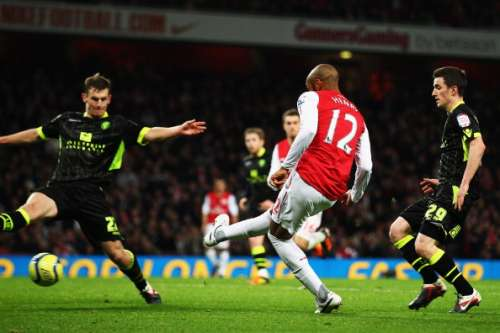 LONDON, ENGLAND - JANUARY 09:  Thierry Henry (C) of Arsenal scores during the FA Cup Third Round match between Arsenal and Leeds United at the Emirates Stadium on January 9, 2012 in London, England.  (Photo by Clive Mason/Getty Images)