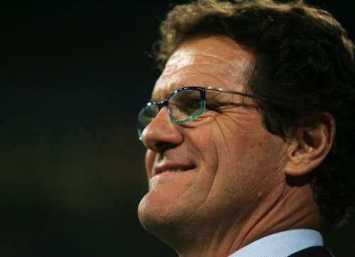 MADRID, SPAIN - NOVEMBER 18: Real Madrid manager Fabio Capello of Italy watches his team warm up before the Primera Liga match between Real Madrid and Racing Santander at the Santiago Bernabeu stadium on November 18, 2006 in Madrid, Spain.  (Photo by Denis Doyle/Getty Images)