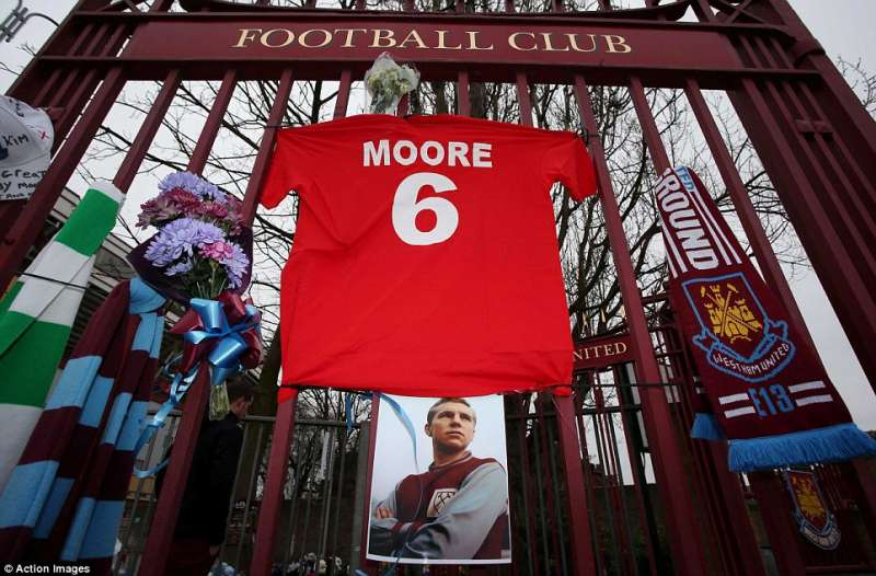 West Ham have retired their number six jersey in honour of Bobby Moore (credit- The Daily Mail)