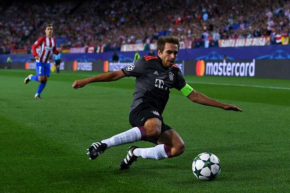 MADRID, SPAIN - SEPTEMBER 28:  Philipp Lahm of FC Bayern Muenchen runs with the ball during the UEFA Champions League Group D match between Club Atletico de Madrid and FC Bayern Muenchen at Vicente Calderon Stadium on September 28, 2016 in Madrid, Spain.  (Photo by David Ramos/Getty Images)