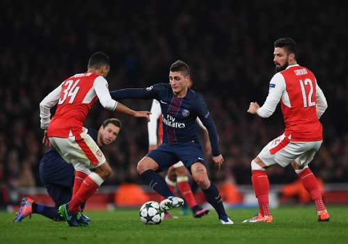 LONDON, ENGLAND - NOVEMBER 23:  Marco Verratti of Paris Saint-Germain in action during the UEFA Champions League match between Arsenal FC and Paris Saint-Germain at Emirates Stadium on November 23, 2016 in London, England.  (Photo by Shaun Botterill/Getty Images)