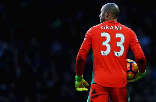 WEST BROMWICH, ENGLAND - FEBRUARY 04:  Lee Grant of Stoke City in action during the Premier League match between West Bromwich Albion and Stoke City at The Hawthorns on February 4, 2017 in West Bromwich, England.  (Photo by Mark Thompson/Getty Images)