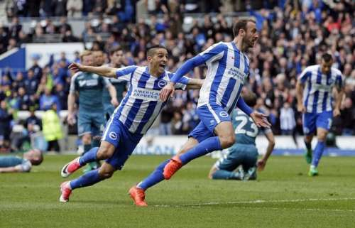 Britain Football Soccer - Brighton & Hove Albion v Wigan Athletic - Sky Bet Championship - The American Express Community Stadium - 17/4/17 Glenn Murray of Brighton and Hove Albion celebrates with Anthony Knockaert after scoring their first goal. Action Images / Henry Browne Livepic