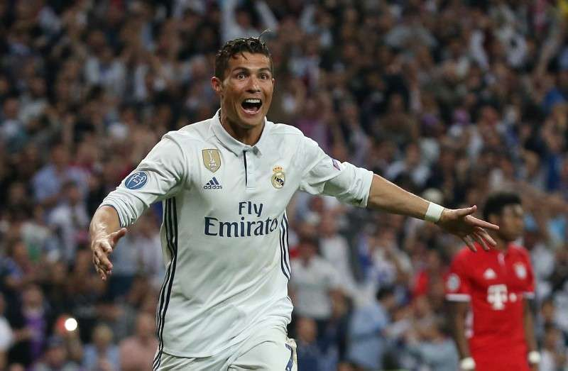 Football Soccer - Real Madrid v Bayern Munich - UEFA Champions League Quarter Final Second Leg - Estadio Santiago Bernabeu, Madrid, Spain - 18/4/17 Real Madrid
