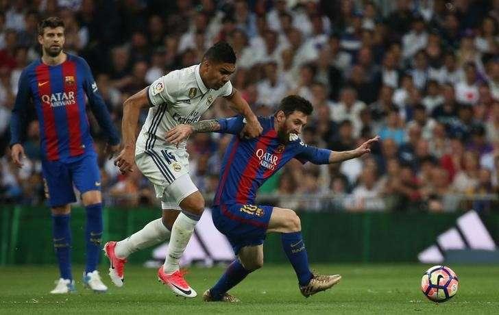 Football Soccer - Real Madrid v FC Barcelona - Spanish Liga Santander - Santiago  Bernabeu 05b75ce0695