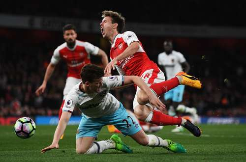 Arsenal West Ham Monreal penalty shout