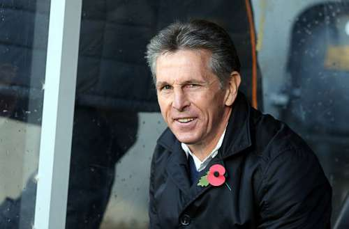 HULL, ENGLAND - NOVEMBER 06:  Claude Puel manager of Southampton during the Premier League match between Hull City and Southampton at KC Stadium on November 6, 2016 in Hull, England.  (Photo by Nigel Roddis/Getty Images)
