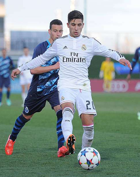 MADRID, SPAIN - FEBRUARY 17:  Cristian Cedres of Real Madrid in action during the UEFA Youth League Round of 16 match between Real Madrid and FC Porto at Estadio Alfredo Di Stefano on February 17, 2015 in Madrid, Spain.  (Photo by Denis Doyle/Getty Images)