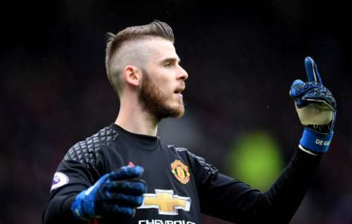 MANCHESTER, ENGLAND - APRIL 16: David De Gea of Manchester United looks on during the Premier League match between Manchester United and Chelsea at Old Trafford on April 16, 2017 in Manchester, England.  (Photo by Michael Regan/Getty Images)