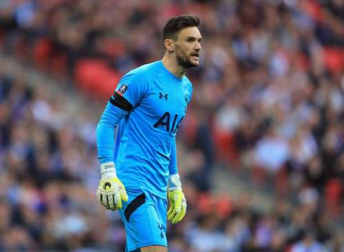 LONDON, ENGLAND - APRIL 22:  Hugo Lloris of Tottenham Hotspur reacts during The Emirates FA Cup Semi-Final between Chelsea and Tottenham Hotspur at Wembley Stadium on April 22, 2017 in London, England.  (Photo by Richard Heathcote/Getty Images)