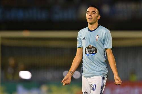 VIGO, SPAIN - OCTOBER 02:  Iago Aspas of RC Celta de Vigo reacts during the match against FC Barcelona during the La Liga match between Real Club Celta de Vigo and Futbol Club Barcelona at the Balaidos stadium on October 02, 2016 in Vigo, Spain. (Photo by Octavio Passos/Getty Images)
