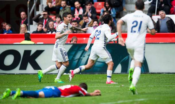 GIJON, SPAIN - APRIL 15:  Isco of Real Madrid celebrates after scoring his team