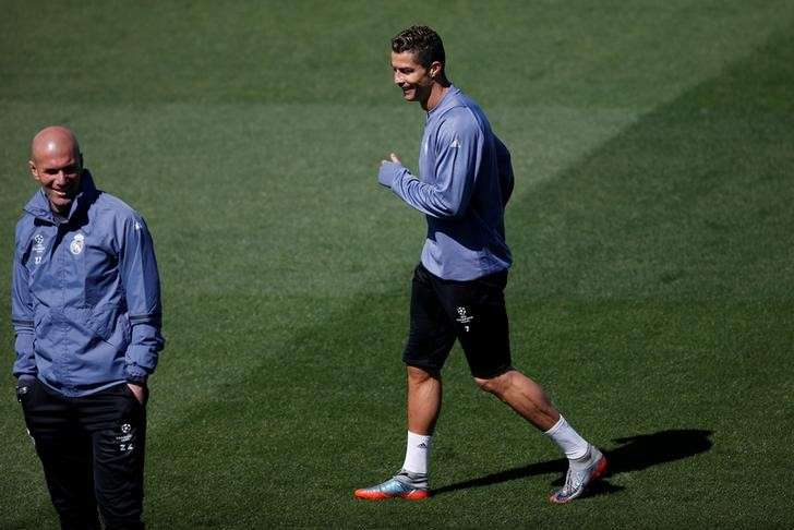 Soccer Football - Real Madrid training - UEFA Champions League Semifinal -  Valdebebas training grounds 7bece908c3dbe
