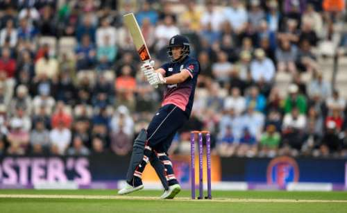 SOUTHAMPTON, ENGLAND - MAY 27:  England batsman Joe Root hits out during the 2nd Royal London One Day International between England and South Africa at The Ageas Bowl on May 27, 2017 in Southampton, England.  (Photo by Stu Forster/Getty Images)