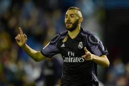 Karim Benzema Real Madrid Malaga.jpg
