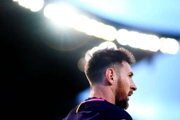 LAS PALMAS, SPAIN - MAY 14: Lionel Messi of Barcelona waits to take a corner during the La Liga match between UD Las Palmas and Barcelona at Estadio de Gran Canaria on May 14, 2017 in Las Palmas, Spain. (Photo by Charlie Crowhurst/Getty Images)