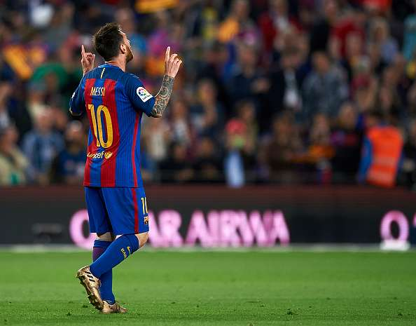 078f8fe45 Twitter explodes as Lionel Messi s heroics go in vain as Barcelona ...