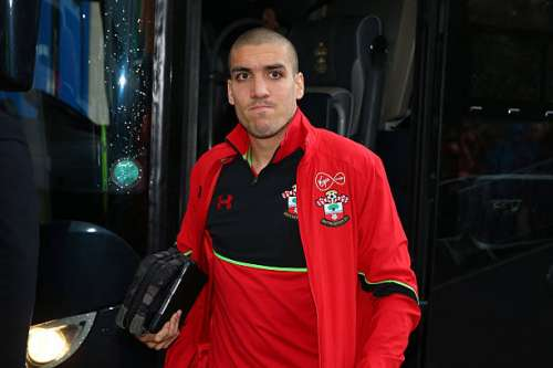 HULL, ENGLAND - NOVEMBER 06:  Oriol Romeu of Southampton arrives prior to the Premier League match between Hull City and Southampton at KC Stadium on November 6, 2016 in Hull, England.  (Photo by Alex Livesey/Getty Images)