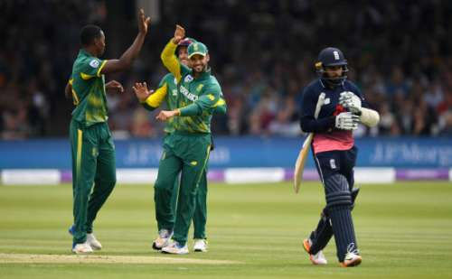 LONDON, ENGLAND - MAY 29:  South Africa bowler Kagiso Rabada (l) is congratulated after dismissing Adil Rashid first ball during the 3rd Royal London Cup match between England and South Africa at Lord's Cricket Ground on May 29, 2017 in London, England.  (Photo by Stu Forster/Getty Images)
