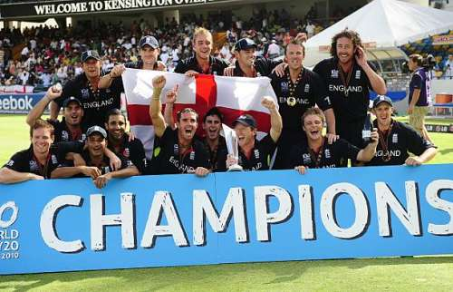TO GO WITH CRICKET-WT20-2016-WINNERS-WC, FACTS(FILES) This file photograph taken on May 16, 2010 shows English players celebrating with the trophy as England won the Men's ICC World Twenty20 final match between Australia and England at the Kensington Oval Cricket Ground in Bridgetown.         AFP PHOTO/Emmanuel Dunand /FILES / AFP / EMMANUEL DUNAND / XGTY        (Photo credit should read EMMANUEL DUNAND/AFP/Getty Images)