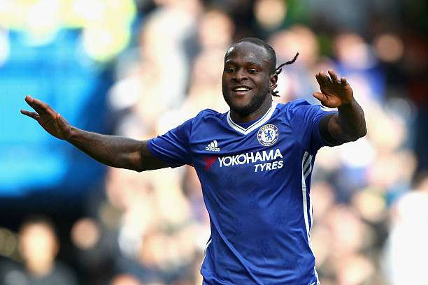 LONDON, ENGLAND - OCTOBER 15:  Victor Moses of Chelsea celebrates scoring his sides third goal during the Premier League match between Chelsea and Leicester City at Stamford Bridge on October 15, 2016 in London, England.  (Photo by Ian Walton/Getty Images)