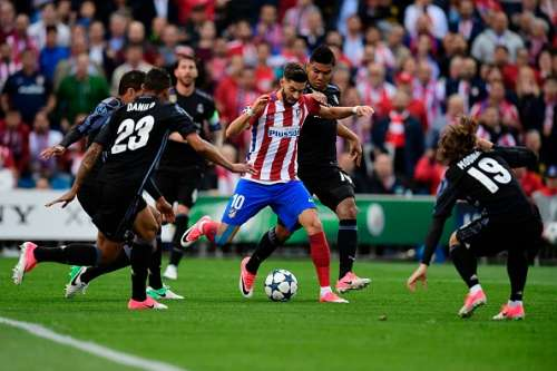 Yannick Carrasco Atletico Madrid Real Madrid