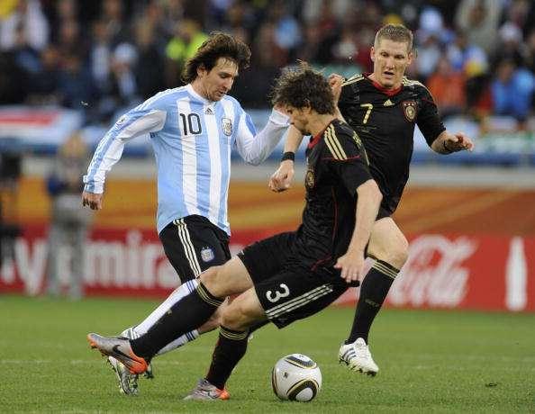 Arne Friedrich vs Lionel Messi