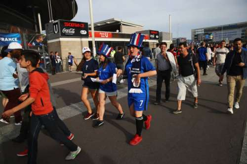 PARIS, FRANCE - JUNE 13:  France fans walk outside the stadium prior to the International Friendly match between France and England at Stade de France on June 13, 2017 in Paris, France.  (Photo by Julian Finney/Getty Images)