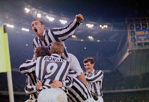 TURIN, ITALY - OCTOBER 20:  Juventus celebrate a goal during a Serie A match between Juventus and Inter Milan on October 20, 1996 in Turin, Italy.  (Photo by Claudio Villa/Allsport/Getty Images)