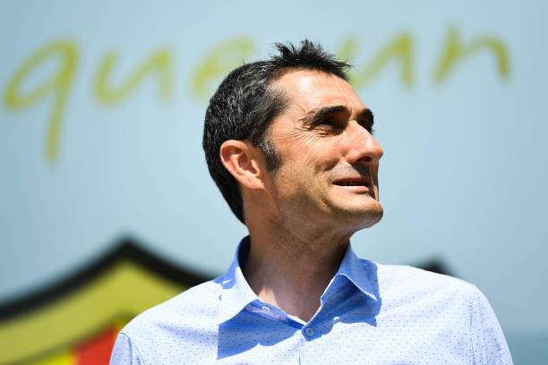 BARCELONA, SPAIN - MAY 31:  New FC Barcelona head coach Ernesto Valverde poses for the media outside the FC Barcelona headquarters at Camp Nou on May 31, 2017 in Barcelona, Spain.  (Photo by David Ramos/Getty Images)