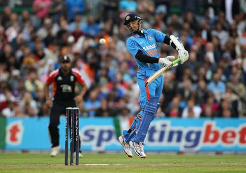 MANCHESTER, ENGLAND - AUGUST 31:  Rahul Dravid of India avoids a bouncer during the NatWest International Twenty20 Match between England and India at Old Trafford on August 31, 2011 in Manchester, United Kingdom.  (Photo by Tom Shaw/Getty Images)