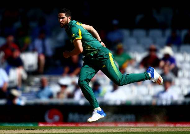 LONDON, ENGLAND - JUNE 03:  Wayne Parnell of South Africa bowls during the ICC Champions Trophy match between Sri Lanka and South Africa at The Kia Oval on June 3, 2017 in London, England.  (Photo by Jordan Mansfield/Getty Images)