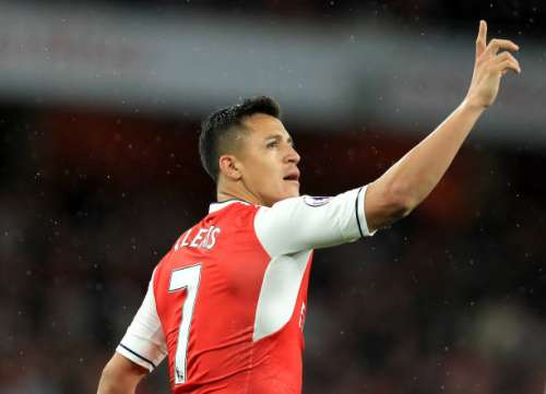LONDON, ENGLAND - MAY 16:  Alexis Sanchez of Arsenal celebrates scoring his sides first goal during the Premier League match between Arsenal and Sunderland at Emirates Stadium on May 16, 2017 in London, England.  (Photo by Richard Heathcote/Getty Images)